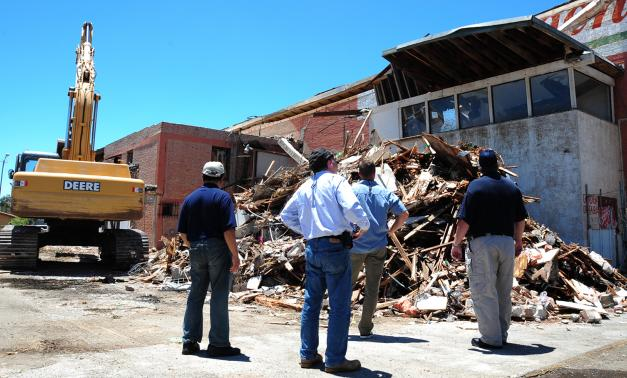 After a 7.2 earthquake struck Calexico, Calif., FEMA, Cal EMA, and local officials inspect structures on June 13, 2010